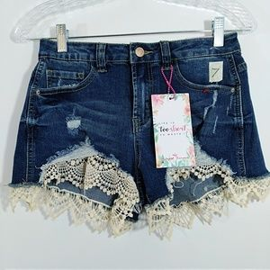 Almost Famous High Rise Shorts 7  Lace